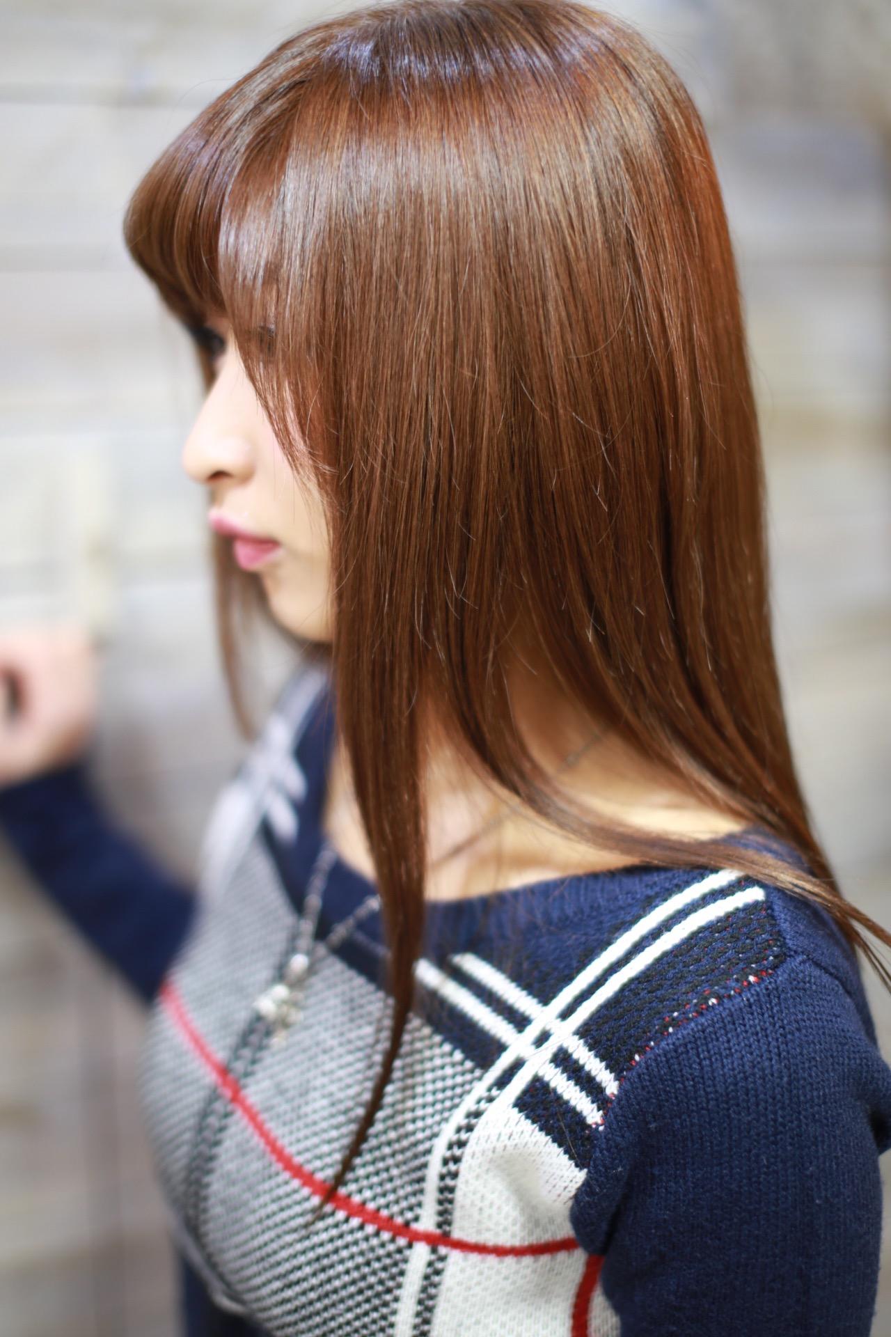 ピンクアッシュなヘアカラー、新宿歌舞伎町、美容室朝からやっている