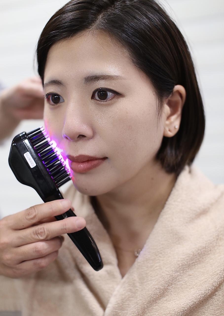 電気バリブラシの効果で小顔になれる美容室 セイヴィアン
