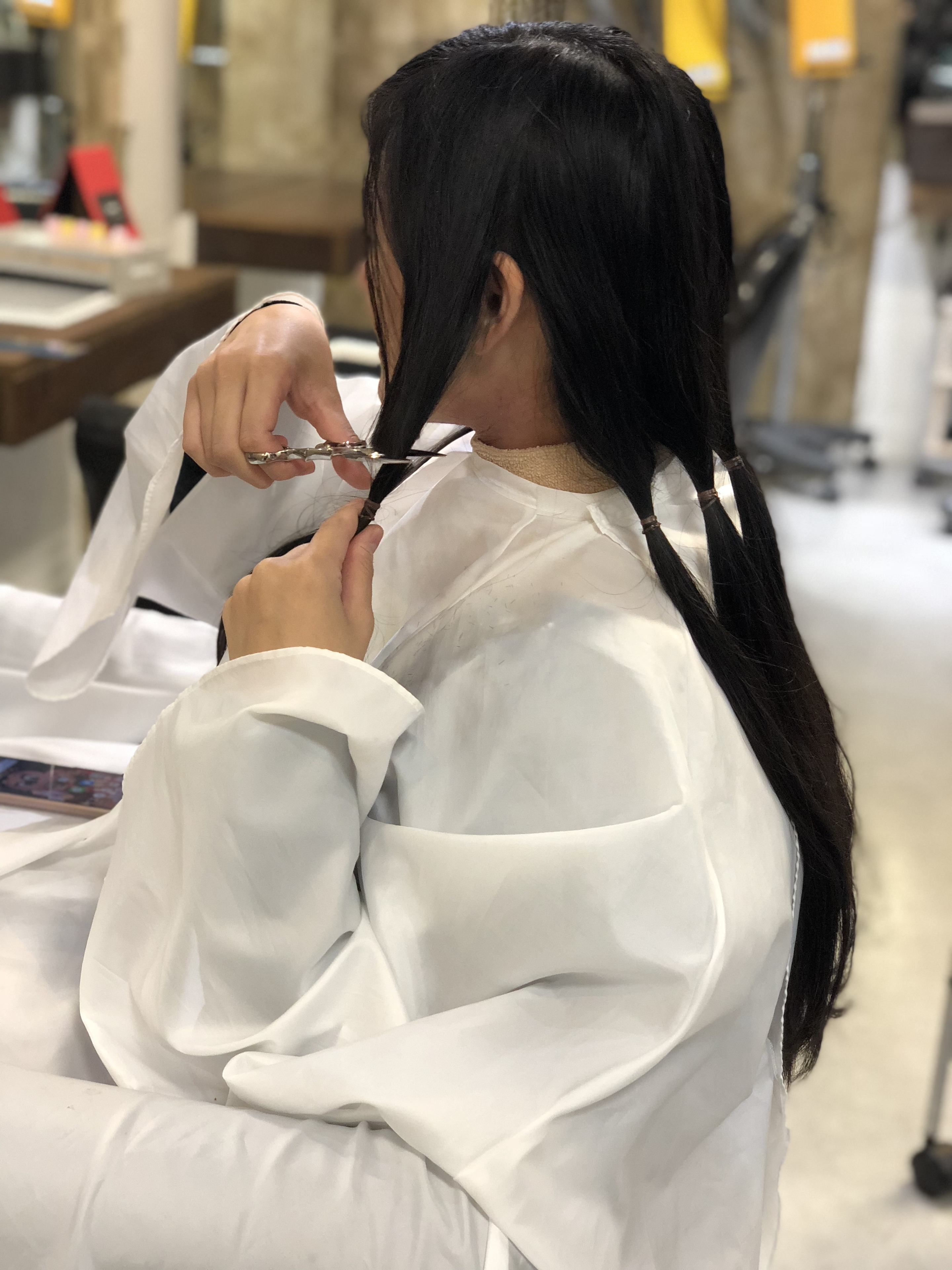 新宿歌舞伎町 美容室 セイヴィアン ヘアドネーションやっています! ご協力ください!