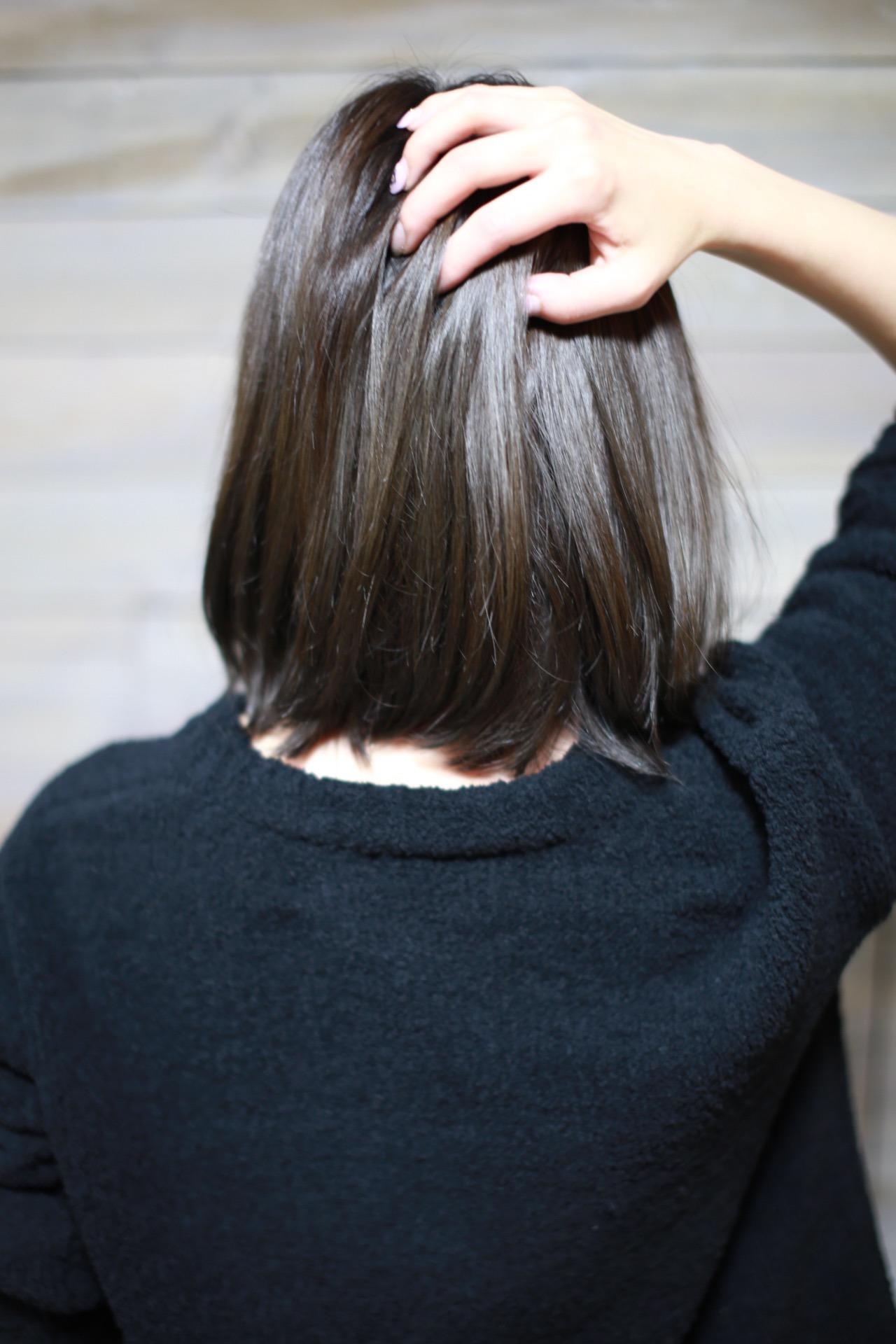 新宿美容室セイヴィアン・グレイアッシュな暗髪で外国人風のヘアカラー生トリートメント